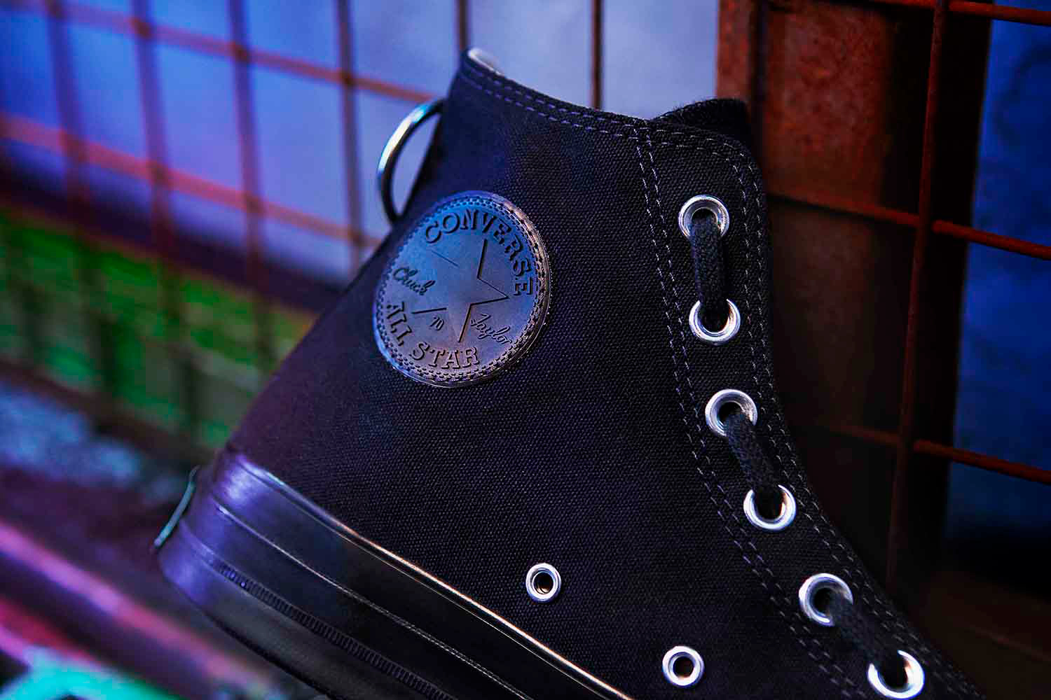 Approach_Retouch_London_Converse_UNDERCOVER_CHUCK_70_BLACK_1