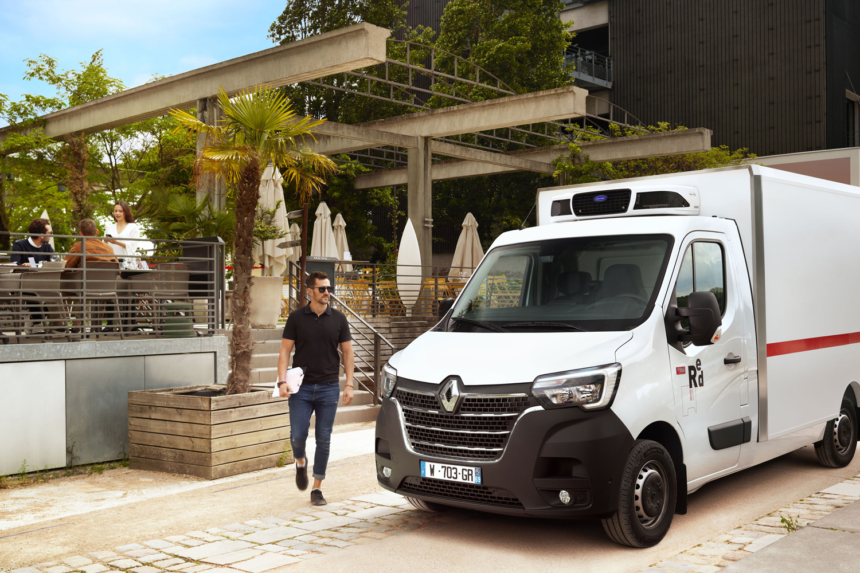 Approach_Retouch_London_Renault_Master_Vans_Trucks_004